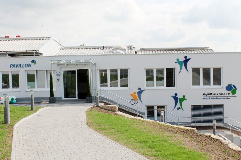 Wandgestaltung Anpfiff ins Leben Pavillon