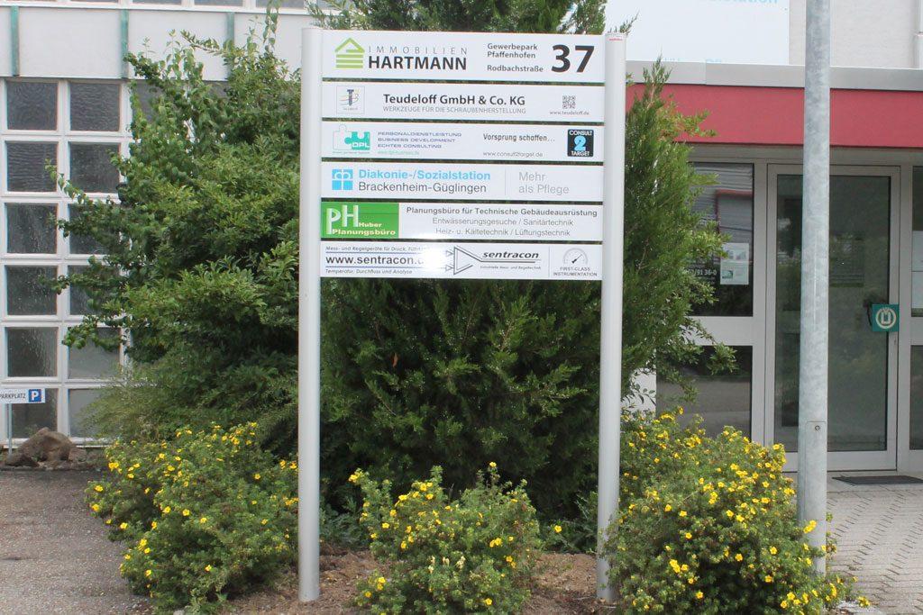 Leitschild für den Industriepark in Pfaffenhofen